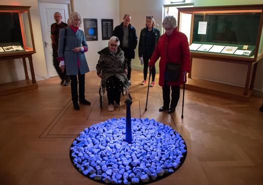 Purmerend staat stil bij Holocaust: monument 'Levenslicht' tijdelijk te zien in Purmerends Museum