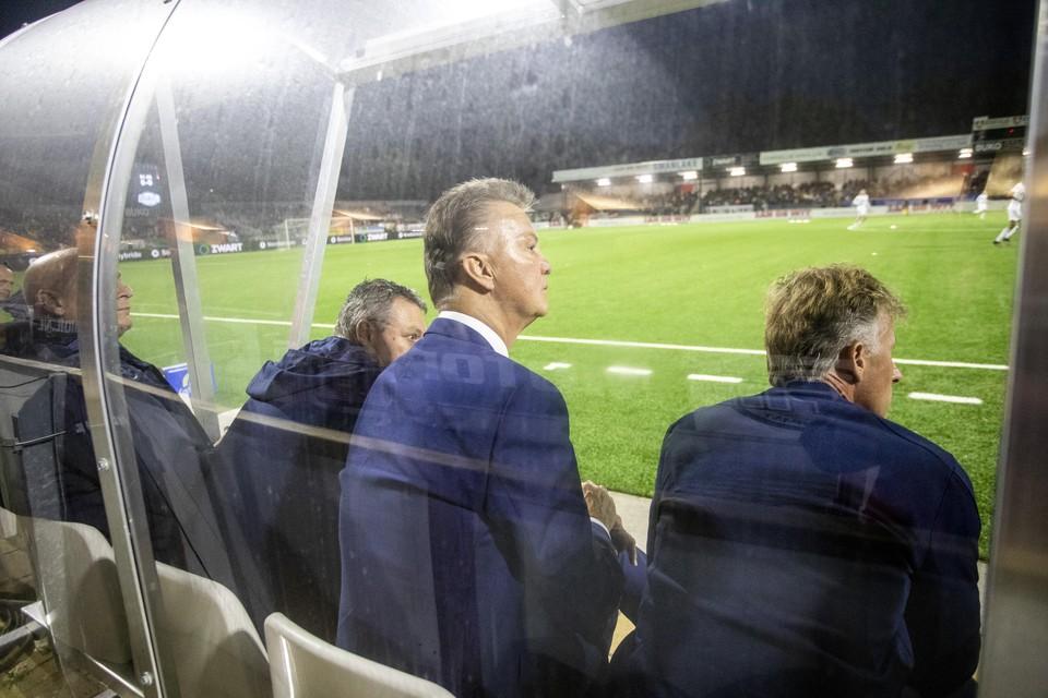 Van Gaal op de bank bij Telstar-Jong AZ.