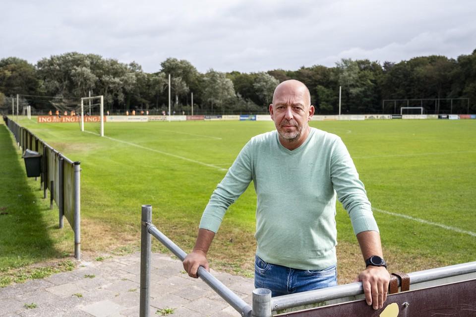 Voorzitter Michel Spierenburg van VV IJmuiden.