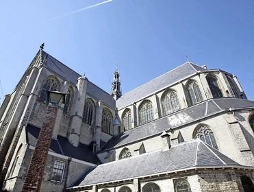 Theater De Vest brengt eigen 'Klokkenluider' naar de Grote Kerk