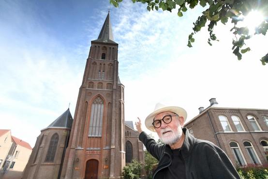 De bliksemafleider van de Christoforuskerk doet zijn werk bij inslag: 'Voor het zelfde geld was de hele toren in brand gevlogen'