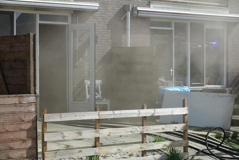 Meterkast zorgt voor woningbrand in Jisp