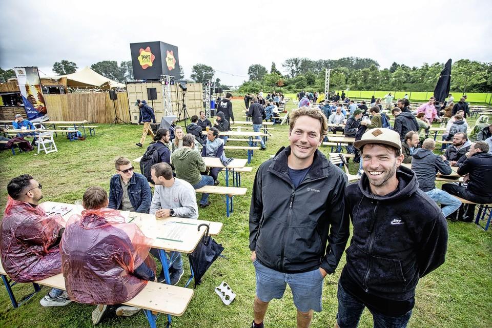 De organisatoren Nick de Vree (rechts) en Simon Leegh.