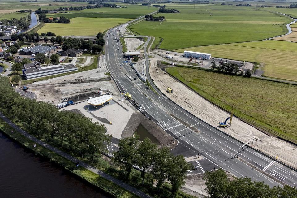 Het verkeer is voorlopig de dupe bij Het Schouw nu het werk stilligt.