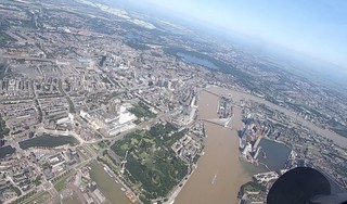 Is het 'chocoladewater' door de overstromingen vooral vies door modder of vervuiling?