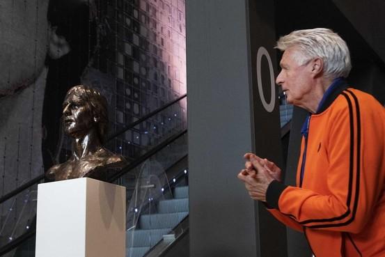 Wim Suurbier (75) op intensive care. Oud-Ajacied getroffen door hersenbloeding
