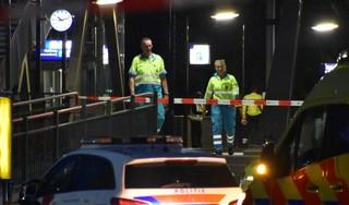 Man (39) gedood door trein bij moedwillig oversteken spoor bij NS-station Halfweg-Zwanenburg; incident gefilmd