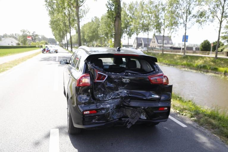 Motorrijder gewond bij botsing met twee auto's in Hoofddorp