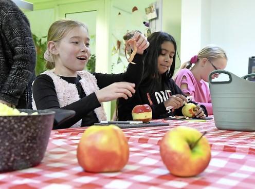 Appelmoes koken of Spaanse lidwoorden: basisschool De Dijk de eerste school in Den Helder met naschoolse activiteiten