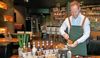 Ook al kun je nog geen ei bakken: op Hemelvaartsdag zet je een topmaaltijd op tafel. Met hulp van The Big 5. Deze restaurants doen het werk voor je [video]