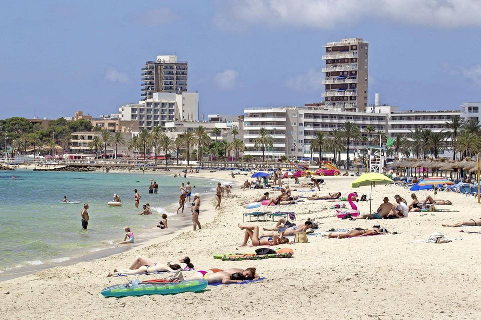 Het strand op Mallorca is in trek bij jong en oud.