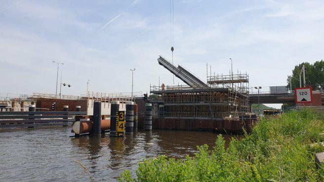 Nog een maand wachten op een nieuwe opleverdatum voor de Leeghwaterbrug
