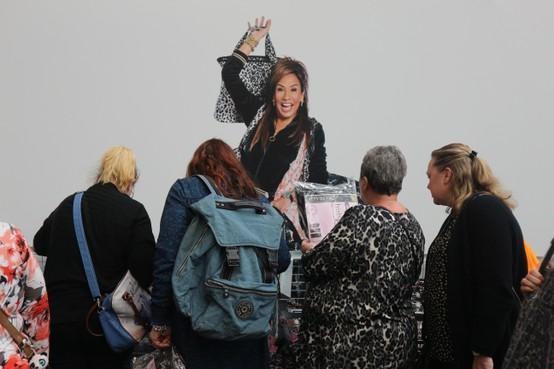 Koopjesjagen met pantertrolley op de 75ste Huishoudbeurs [video]