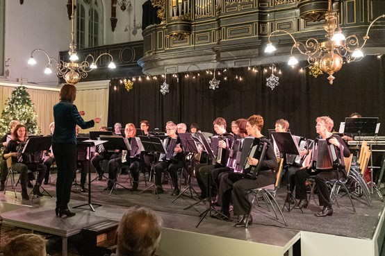 Con Zelo bewijst met winterconcert een bloeiende accordeonvereniging te zijn
