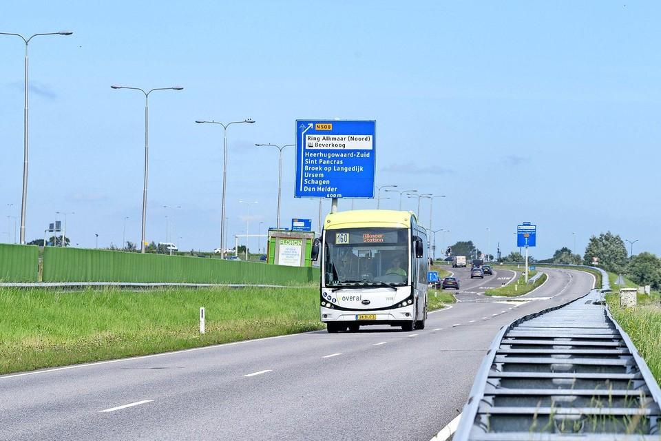 Connexxion zou minder vaak over de vrije busbaan willen rijden.