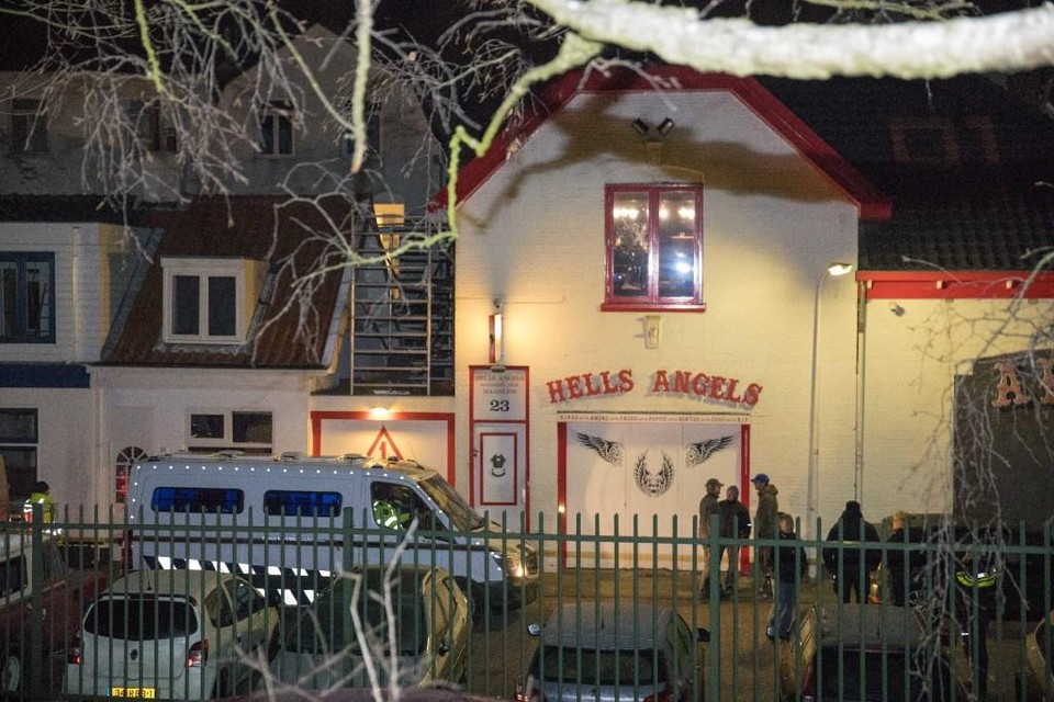 In 2017 werd een inval gedaan in het clubhuis van de Haarlemse Hells Angels aan de Baljuwslaan.