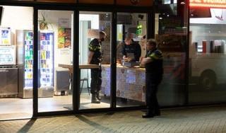 Politie geeft beelden vrij van snel vluchtende overvallers snackbar bij Middenwaard [video]