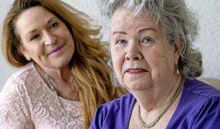 Annie (80) hoopt op weerzien met haar verloren zoon. Ze gaf hem 14 jaar geleden schoon beddengoed mee. Daarna vernam ze niets meer van Dennis, die ook een zoontje achterliet