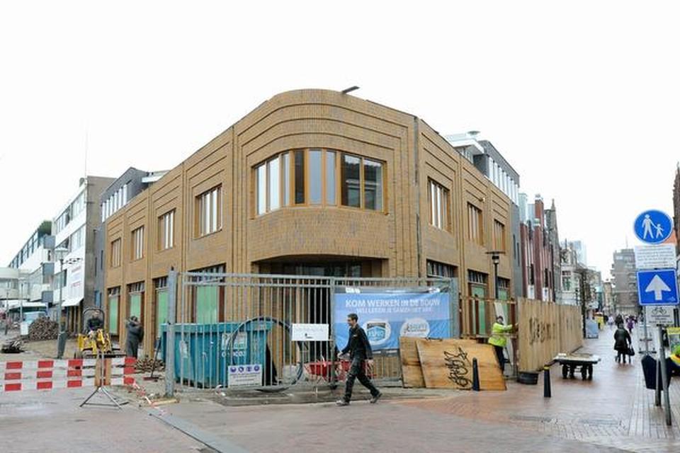 Het Helderse nieuwbouwproject Zoetelief op hoek Keizerstraat en Beatrixstraat. Winkelketen Xenos vestigt zich hier.