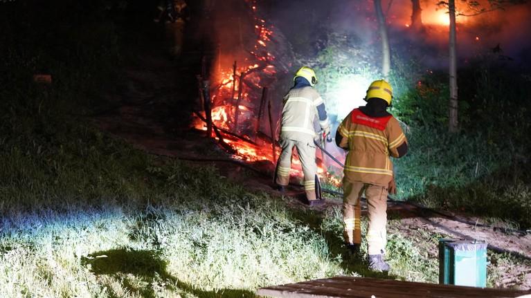 Onverlaten steken bos in brand in Egmond aan Zee