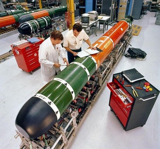 De marine koopt in de VS zestien nieuwe torpedo's van 5 miljoen per stuk