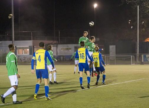 Gemankeerd Monnickendam in beker volstrekt kansloos tegen AFC'34