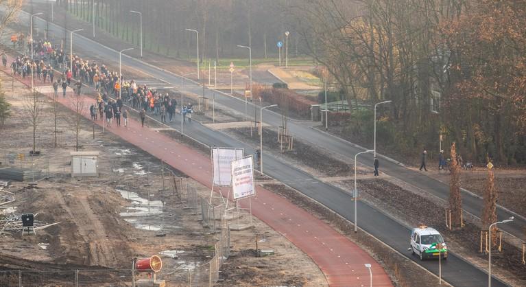 Negenjarige Michael opent vernieuwde Tolweg in Heemskerk