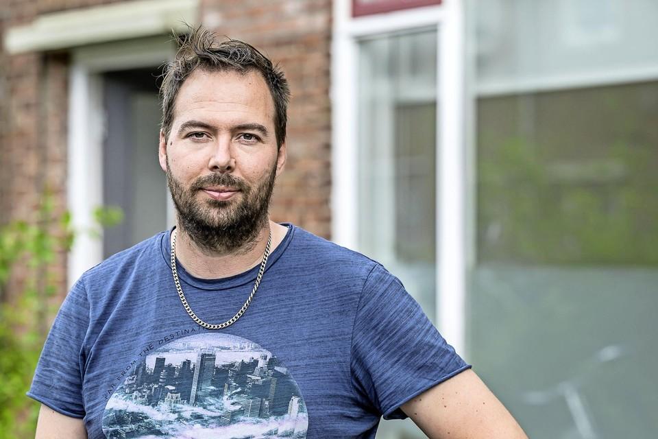 Erik Kramer is de voorzitter van de Belangenvereniging Herstel Zeeheldenbuurt in Wormerveer.