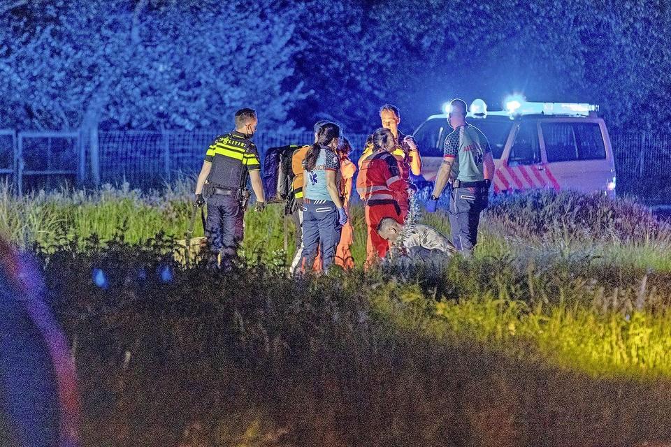 De politie doet onderzoek naar de toedracht van het ongeluk.