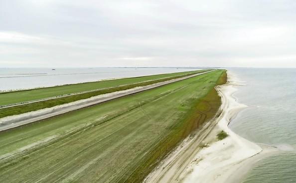 Project 'Zandverstuiving' Houtribdijk van Rijkwaterstaat verrassend genomineerd voor waterschapsprijs