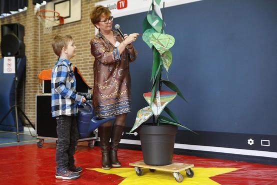 Feestelijke dag is ook een moeilijke dag voor de leerlingen van de - met drie lokalen - uitgebreide J.H. Donnerschool in Hilversum