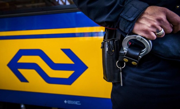 Treinverkeer tussen Leiden en Hoofddorp weer op gang na reparatie bovenleiding; 'Giga herstelklus geklaard'
