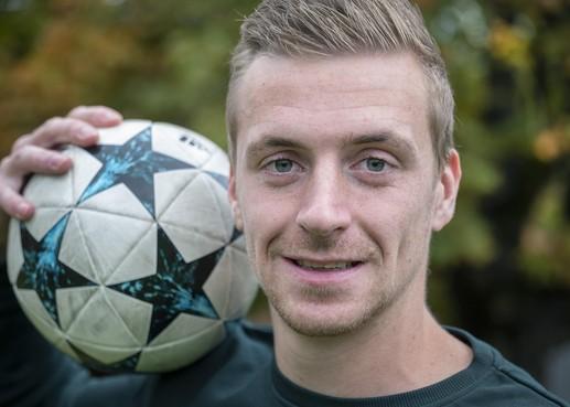 Jordi Hurkmans van VVH-Velserbroek gaat na dubbele hattrick voor dertig doelpunten