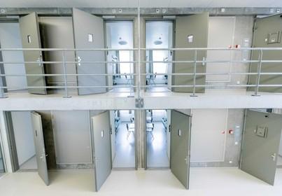 Tot 7 jaar cel voor import meer dan 1000 kilo coke in lading vis, arrestaties in Zaandam