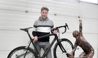 Van wielrenner tot grensrechter. Na het fietsen zakte alles in elkaar maar Bertus Kroon hervond zijn zelfrespect