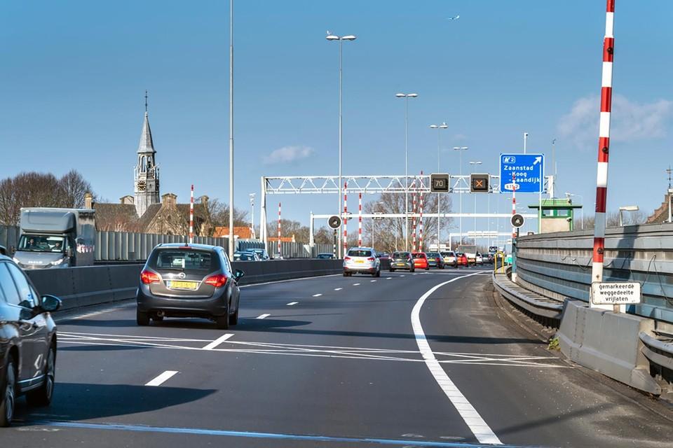 Dit weekend is de A8 vanaf knooppunt Zaandam richting Assendelft gesloten wegens onderhoud.