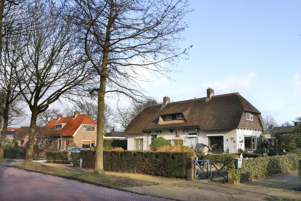 De monumentale huurwoningen uit het Erfgooierscomplex in Laren mogen niet worden verkocht.