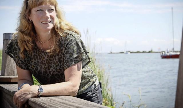 Enkhuizense Tanja Visser in Netflix-documentaire over loodzware zeilrace. 'Nee, echt bang ben ik nooit geweest. Daar had je trouwens geen tijd voor' [video]