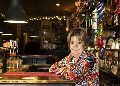 Eigenares Loeki Verheul neemt na 22 jaar afscheid van bruin café La Comédie: 'Ik teer op de mooie herinneringen'
