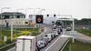 Afsluitdijk richting Friesland weer open na storing aan brug [update]