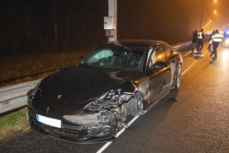 Bestuurster Porsche aangehouden na botsing op de A9 bij Spaardam