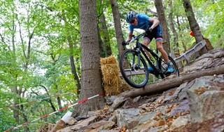 Warmenhuizer mountainbiker Sam de Nijs mag naar EK en WK voor beloften: 'Het voelt alsof ik mijn doel heb overtoffen'