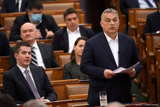 Orban wijst kritiek op uitbreiding bevoegdheden af
