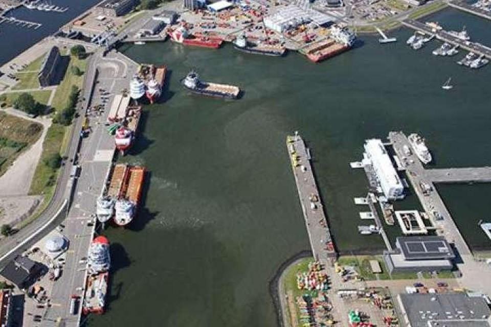 De Helderse haven draait om twee dingen: de marine en offshore.