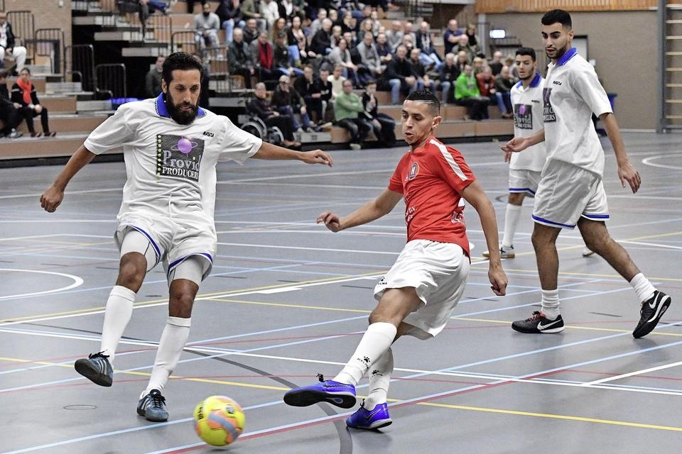 Karim Mossaoui draagt komend seizoen weer het rode shirt van Hovocubo. Na twee jaar in Indonesische dienst keert hij terug in Hoorn.