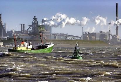 Vakbond FNV Metaal noemt intrekken massaontslag Tata Steel een 'goede stap'. 'Maar dit wil nog niet zeggen dat er helemaal geen banen verdwijnen'