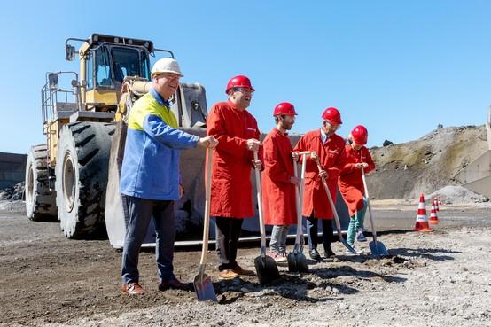 Bouw grafiethal begonnen, vanaf april 2020 geen grafietregens meer in Wijk aan Zee [video]