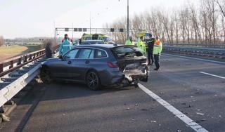 A9 bij Velsen-Zuid richting Alkmaar afgesloten door kop-staartbotsing