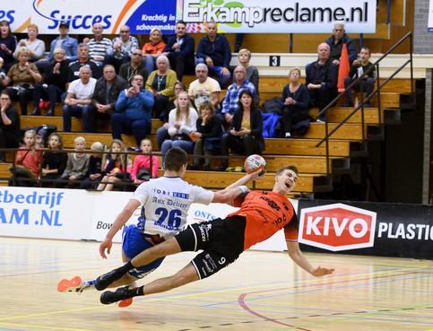 Handballers Volendam spelen geen rol van betekenis in Bene-league