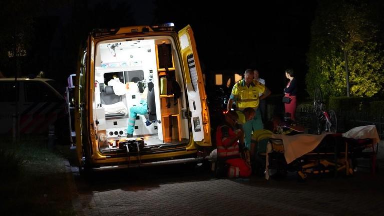 Fietsster zwaargewond bij val in Uitgeest, traumahelikopter geland